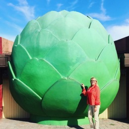 the world's largest artichoke.